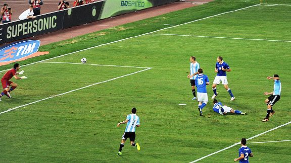 Gianluigi Buffon was powerless to stop Gonzalo Higuain putting Argentina in front.