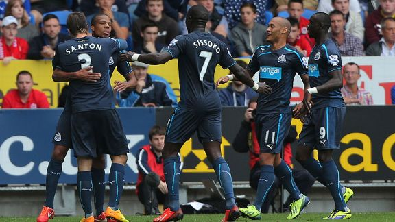 Loic Remy group celeb second goal Cardiff Newcastle