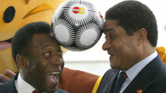 Eusebio and Pele ahead of the 2004 European Championships in Portugal