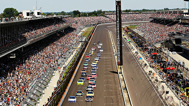 Brickyard 400, Telecast presented by Golden Corral