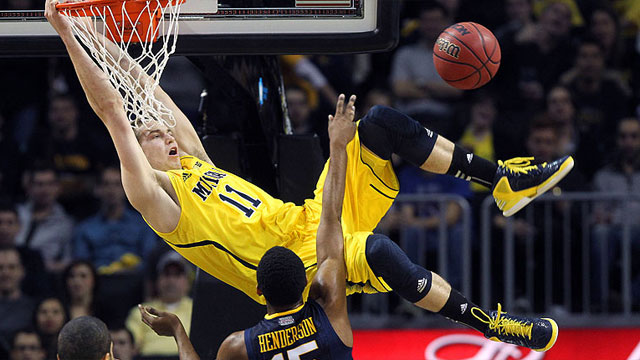 West Virginia vs. #3 Michigan: Brooklyn Hoops Winter Festival