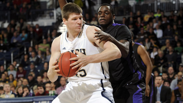 Niagara vs. #22 Notre Dame: Holiday Hoops