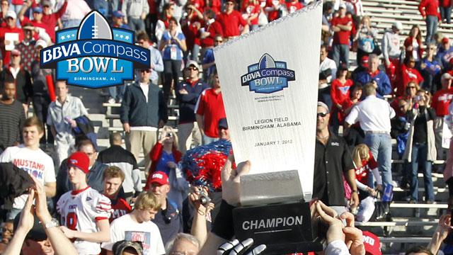 2013 BBVA Compass Bowl Trophy Presentation