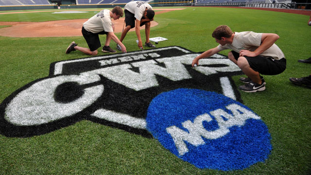 UCLA vs. #5 Cal State Fullerton (Site 3 / Game 3): 2013 NCAA Baseball Super Regionals