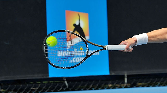 (5) Nadia Petrova (RUS) and Mahesh Bhupathi (IND) vs. Anastasia Rodionova (AUS) and Jean-Julien Rojer (NED)