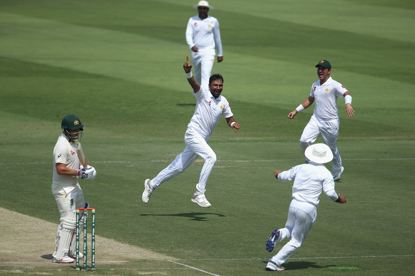 PAK 144/2  (44.0 ov, Azhar Ali 54*, Haris Sohail 17*, NM Lyon 1/59) - Stumps | Match Report | ESPNCricinfo thumbnail