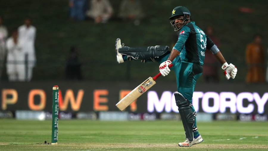 Unchanged New Zealand bat first in second ODI
