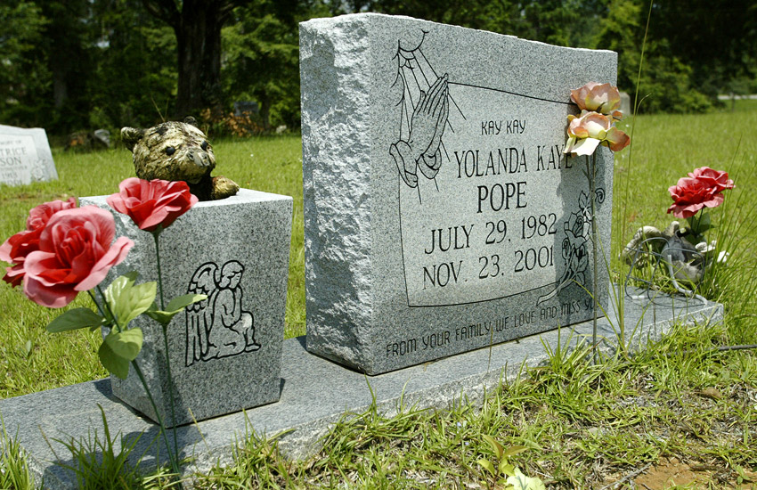 Kay Kay Pope's tombstone