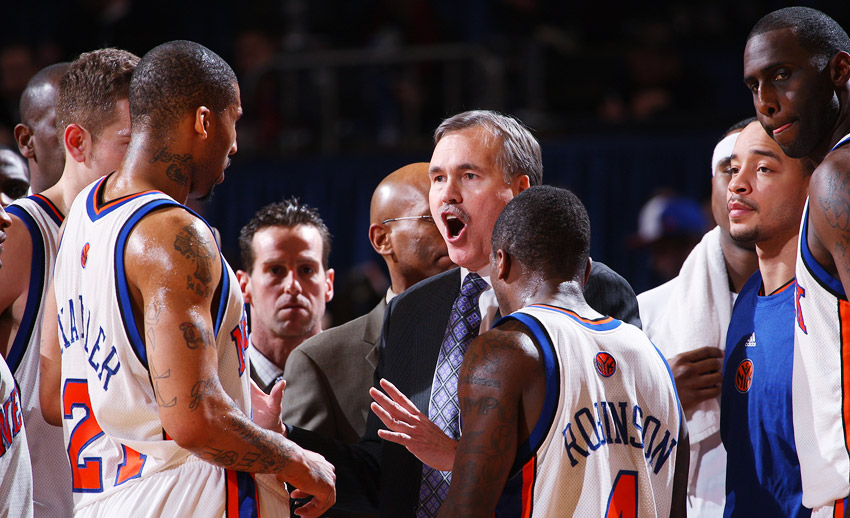 Mike D'Antoni in the huddle