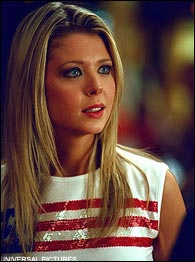 tara reid american pie head