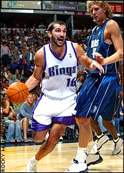 Peja Stojakovic and Dirk Nowitzki