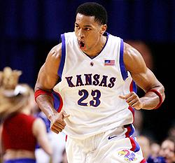 (PF) Wayne Simien - Kansas