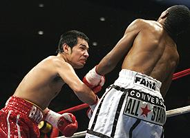Marco Antonio Barrera, left, and Mzonka Fana