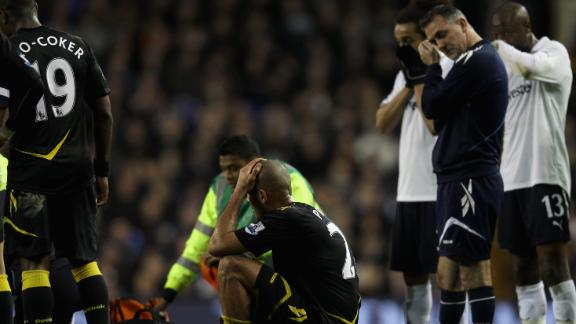 Bolton's Fabrice MUAMBA collapses, carried off; FA Cup game ...