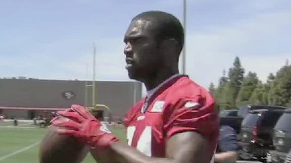 Video - Randy Moss Arrives For 49ers Conditioning Program