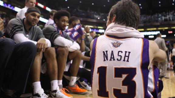 Sources -- New York Knicks pursue options to land Steve Nash