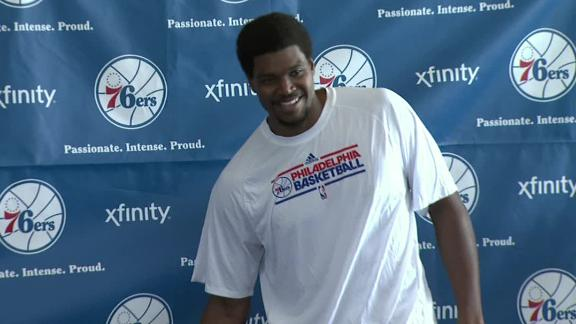 Bynum looking forward to staying with 76ers
