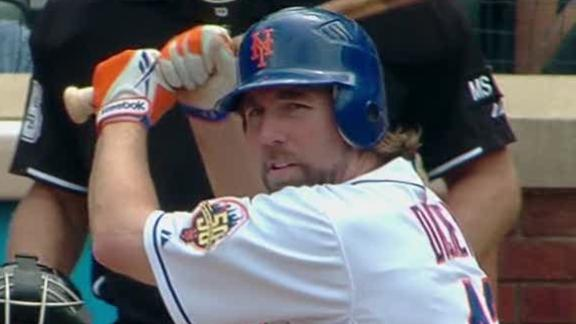 Dickey's 16th victory gets Mets back on track