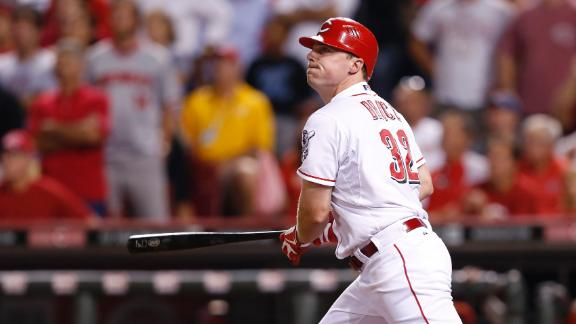 Video - Bruce's Two-Run Shot Lifts Reds