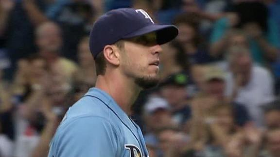 Upton's three HRs back Shields in Rays' victory