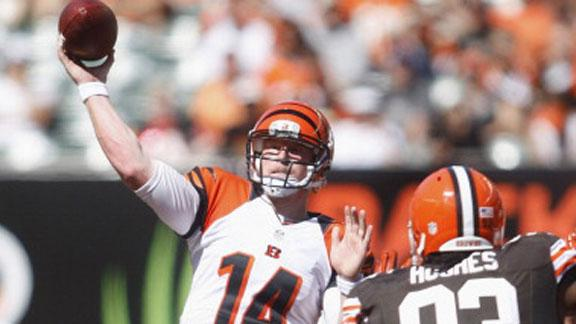 Dalton throws 3 TDs, helps Bengals by Browns