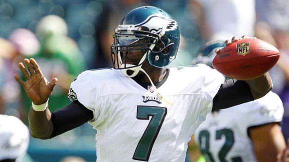 Eagles upend Ravens despite slew of TOs