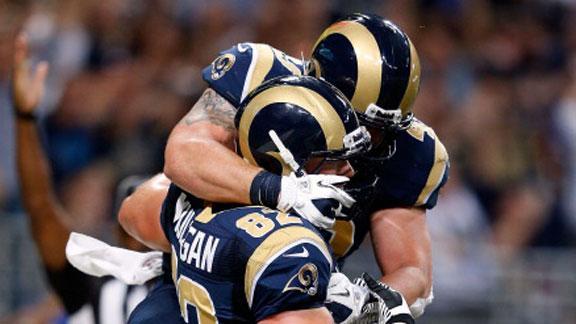 Jackson injured as pass attack boosts Rams