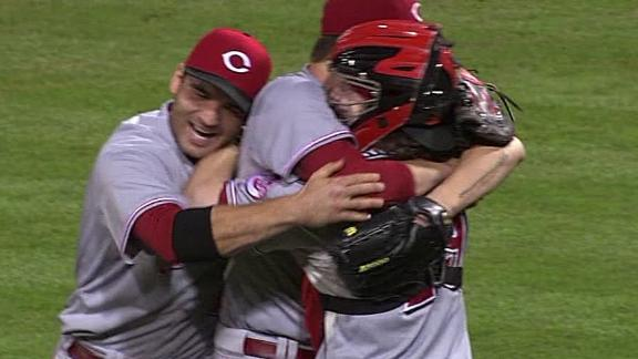 Reds' Bailey throws no-hitter against Pirates