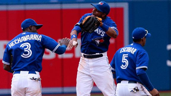 Jays edge Yanks; AL East lead shrinks to ½ game