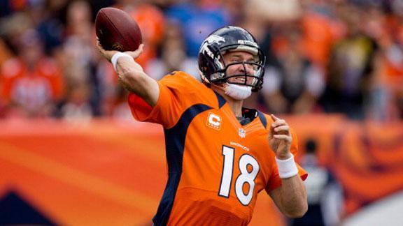 Manning's 3 TDs help Broncos hammer Raiders