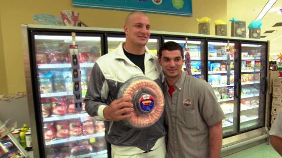 Video - E:60 - Shopping With Gronk
