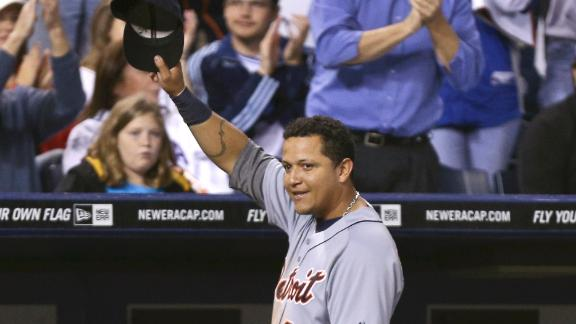 Tigers' Cabrera wins 1st Triple Crown since '67