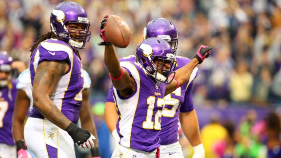 Vikings crush Titans, go to 4-1