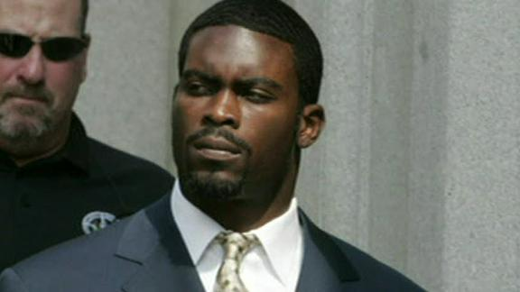 Video - Michael Vick Confirms He Owns A Dog Again
