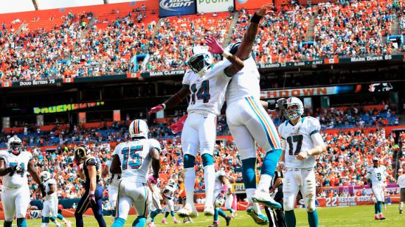 Tannehill throws 2 TDs, Dolphins hold off Rams