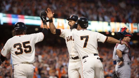 Giants' Scutaro leaves Game 2 for hip X-rays