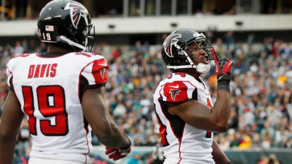 Falcons stay unbeaten as Ryan rolls in Philly