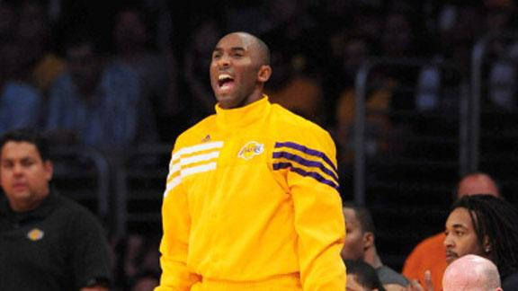 Lakers' Bryant (foot) starts opener vs. Mavs