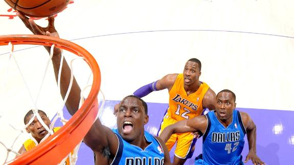 Mavericks' win spoils new-look Lakers' opener