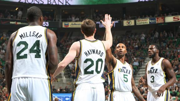 Williams duo helps Jazz pull away from Mavs