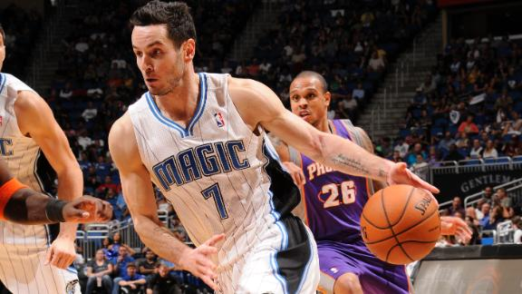Magic drop 40 in third quarter to rally by Suns