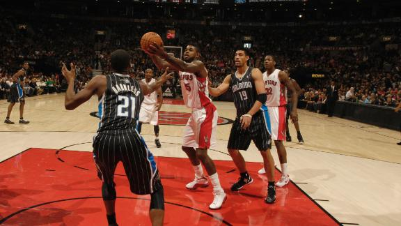 DeRozan, Raps post rare home win vs. Orlando