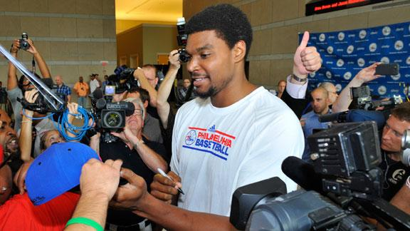 Video - Bynum Hurts Knee Bowling