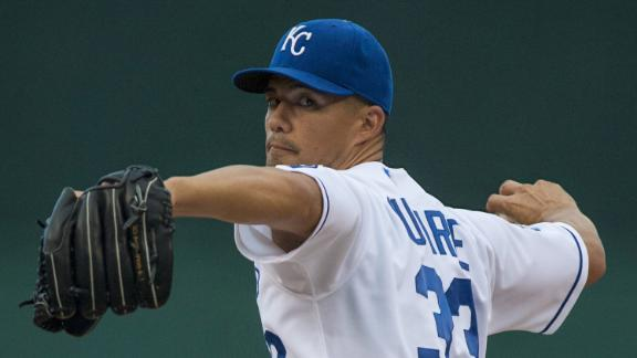 Royals sign pitcher Guthrie to $25M contract