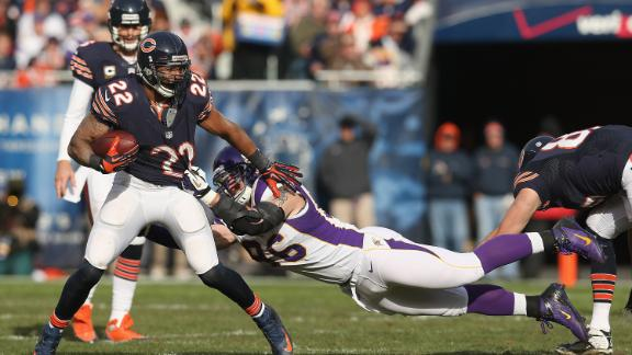 Bears OG Louis to IR after hit by Vikings' Allen