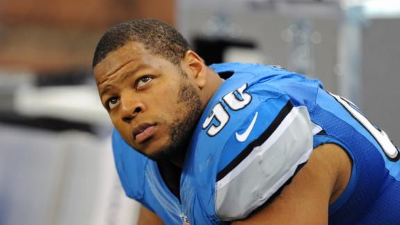 Video - Suh Reportedly Taunts Injured Player