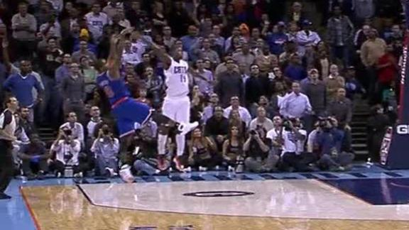 Video - Smith's Buzzer-Beater Lifts Knicks Past Bobcats