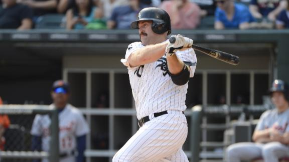 Sources: Youkilis agrees to deal with Yankees