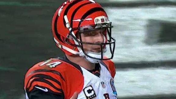 Bengals force 5 turnovers, rout sloppy Eagles