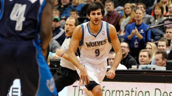 Video - Ricky Rubio Crazy Trick Pass